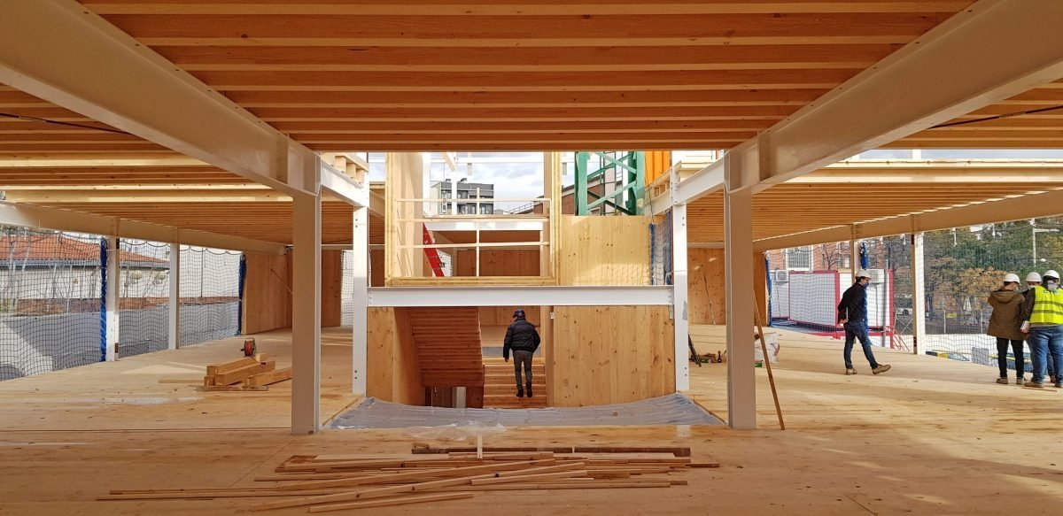 Imagen del edificio Porta Trinitat durante su construcción