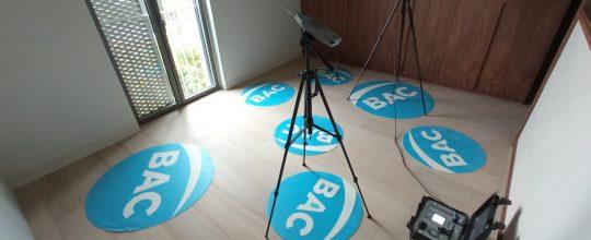 Trabajos de medición de aislamientos acústicos en un domicilio